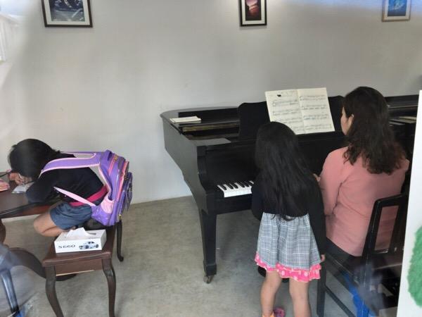 お母さんのピアノレッスン